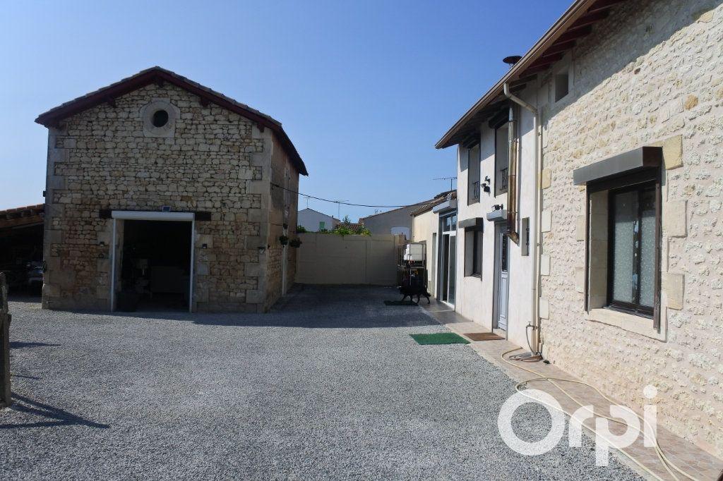 Maison à vendre 9 245m2 à Saint-Sulpice-de-Royan vignette-2