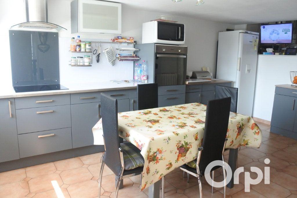 Maison à vendre 9 245m2 à Saint-Sulpice-de-Royan vignette-3