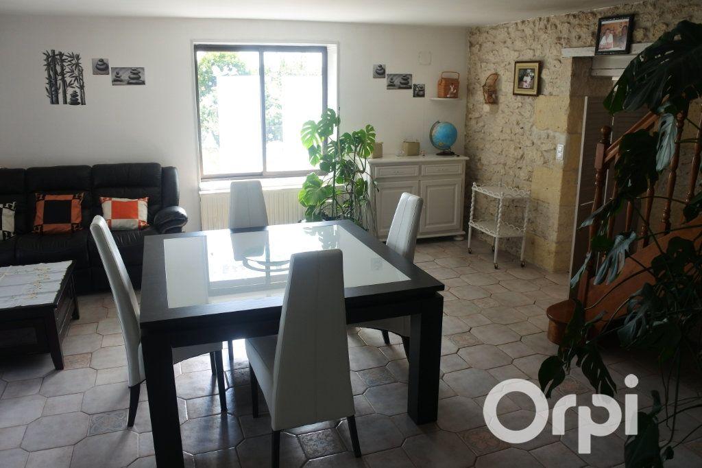 Maison à vendre 9 245m2 à Saint-Sulpice-de-Royan vignette-6