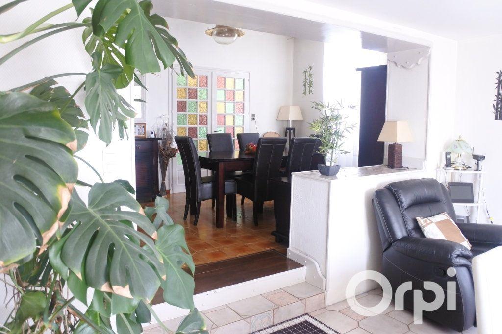 Maison à vendre 9 245m2 à Saint-Sulpice-de-Royan vignette-7