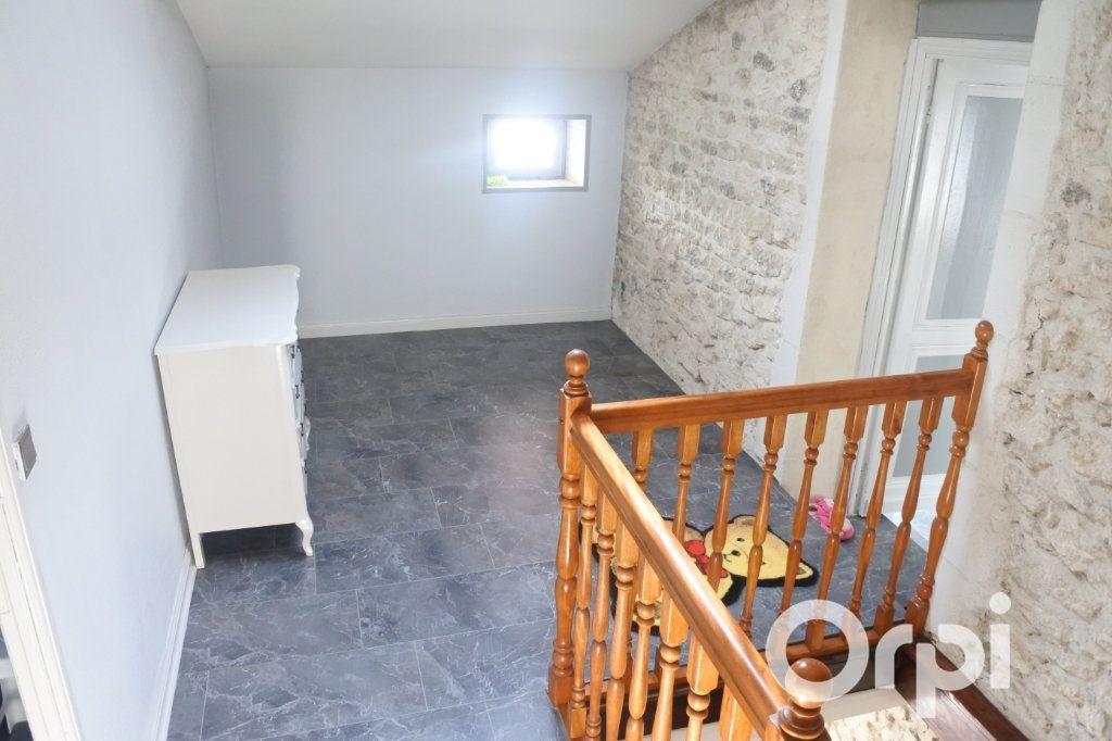 Maison à vendre 9 245m2 à Saint-Sulpice-de-Royan vignette-8