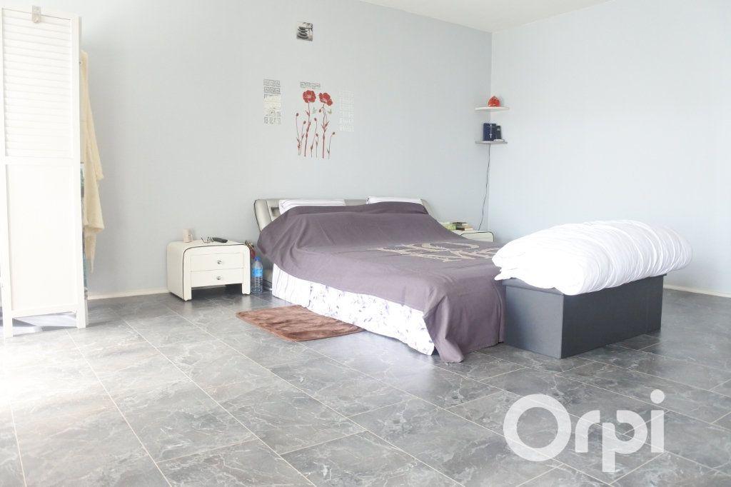 Maison à vendre 9 245m2 à Saint-Sulpice-de-Royan vignette-9