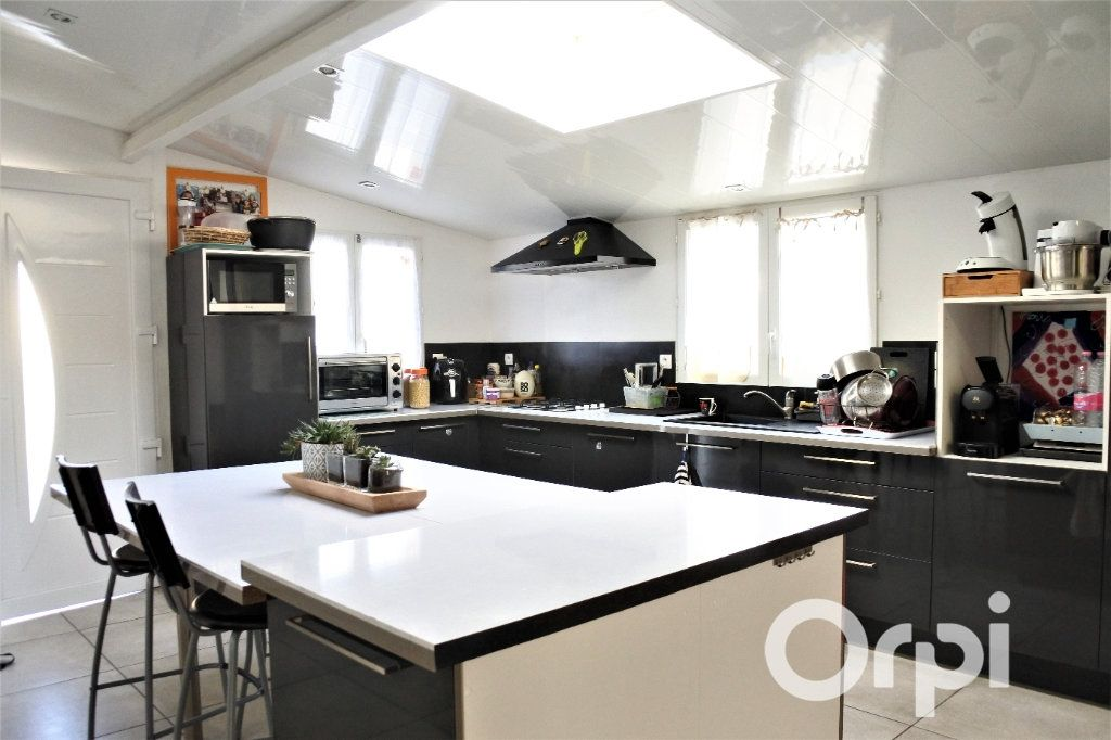Maison à vendre 12 310m2 à La Tremblade vignette-9