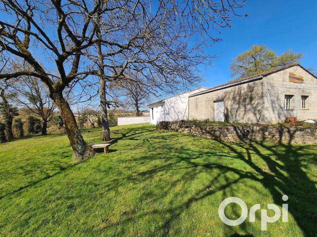 Maison à vendre 2 158m2 à La Clisse vignette-2