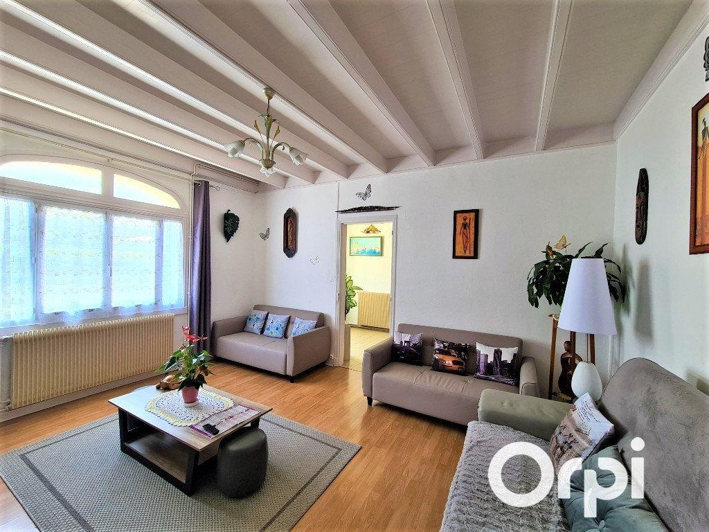 Maison à vendre 6 180m2 à Étaules vignette-2