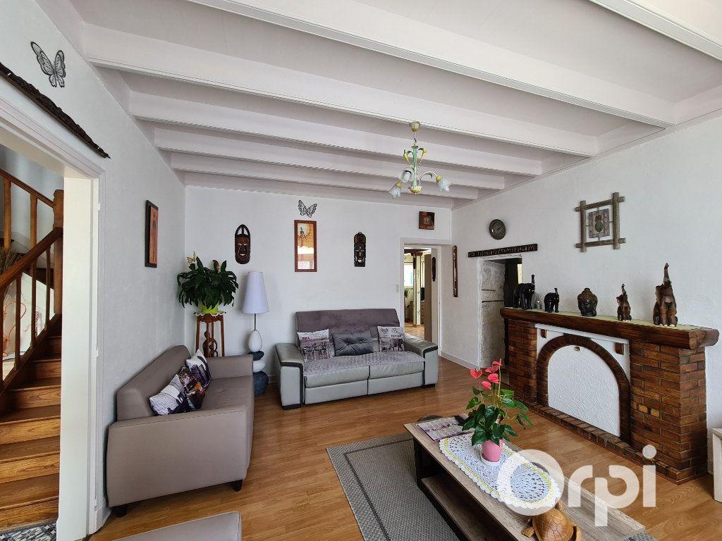 Maison à vendre 6 180m2 à Étaules vignette-3