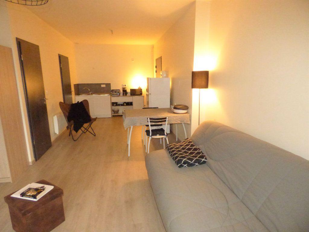 Appartement à louer 1 32m2 à Hagondange vignette-2