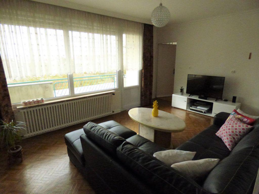 Appartement à louer 4 65m2 à Mondelange vignette-2