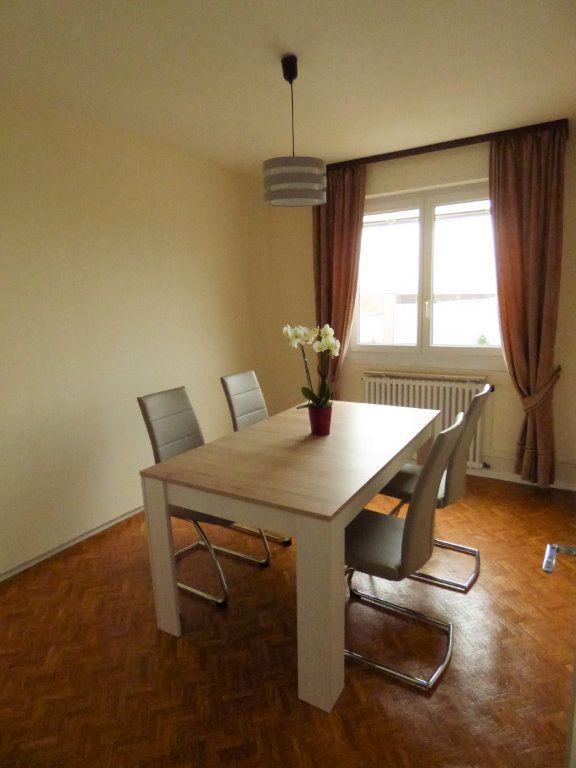 Appartement à louer 4 65m2 à Mondelange vignette-4