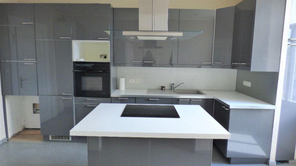 Appartement à louer 3 73.94m2 à Metz vignette-2
