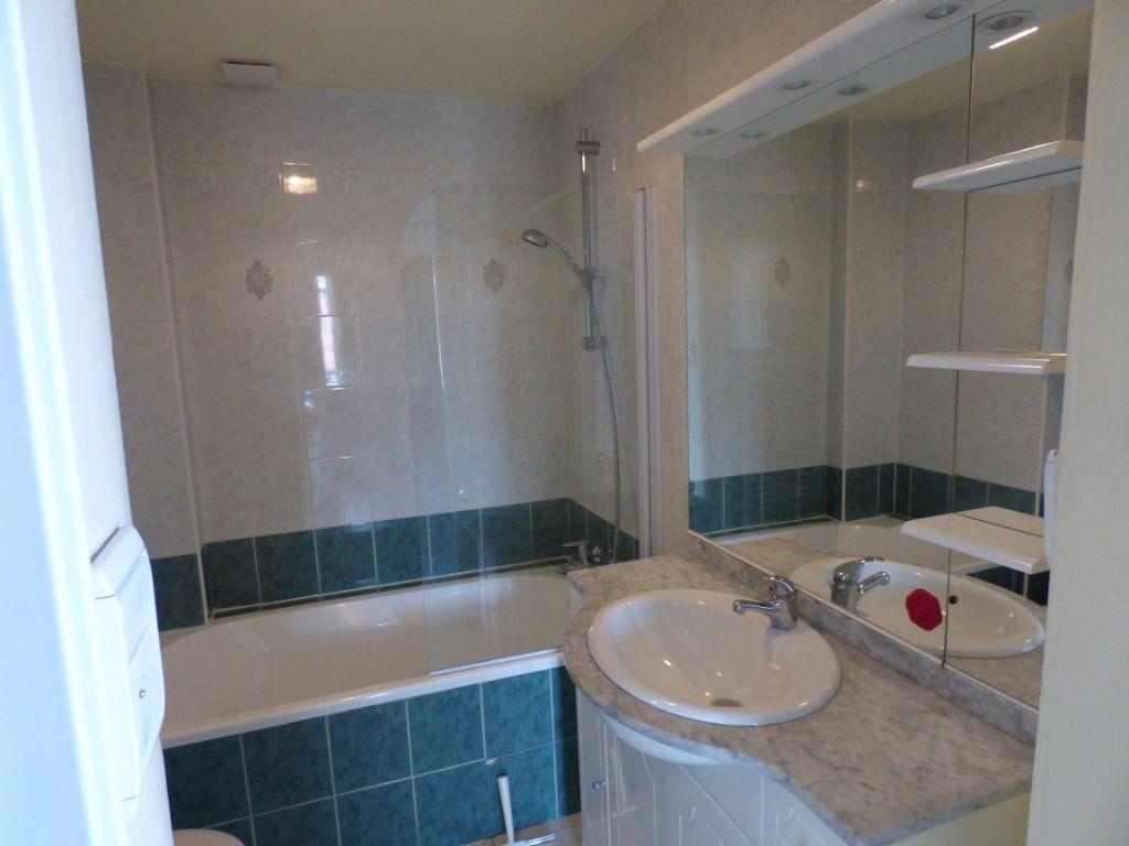 Appartement à louer 3 73.94m2 à Metz vignette-9