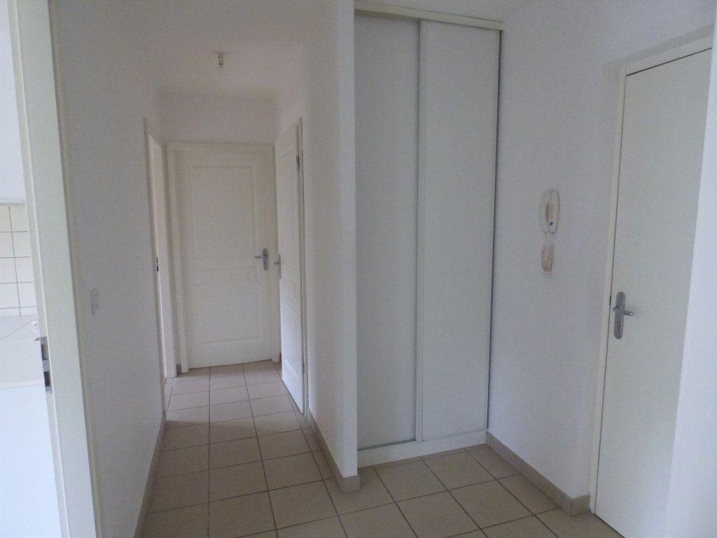 Appartement à louer 2 52m2 à Hagondange vignette-2