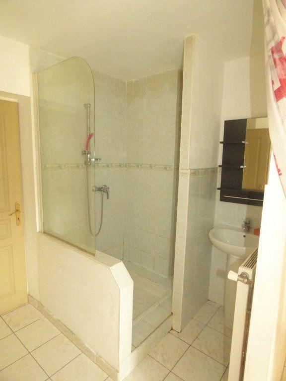 Appartement à louer 2 28m2 à Amnéville vignette-3