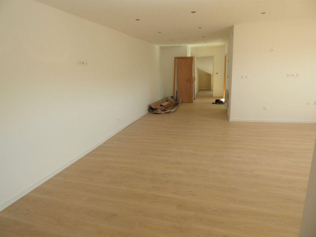Appartement à louer 5 90m2 à Rombas vignette-3