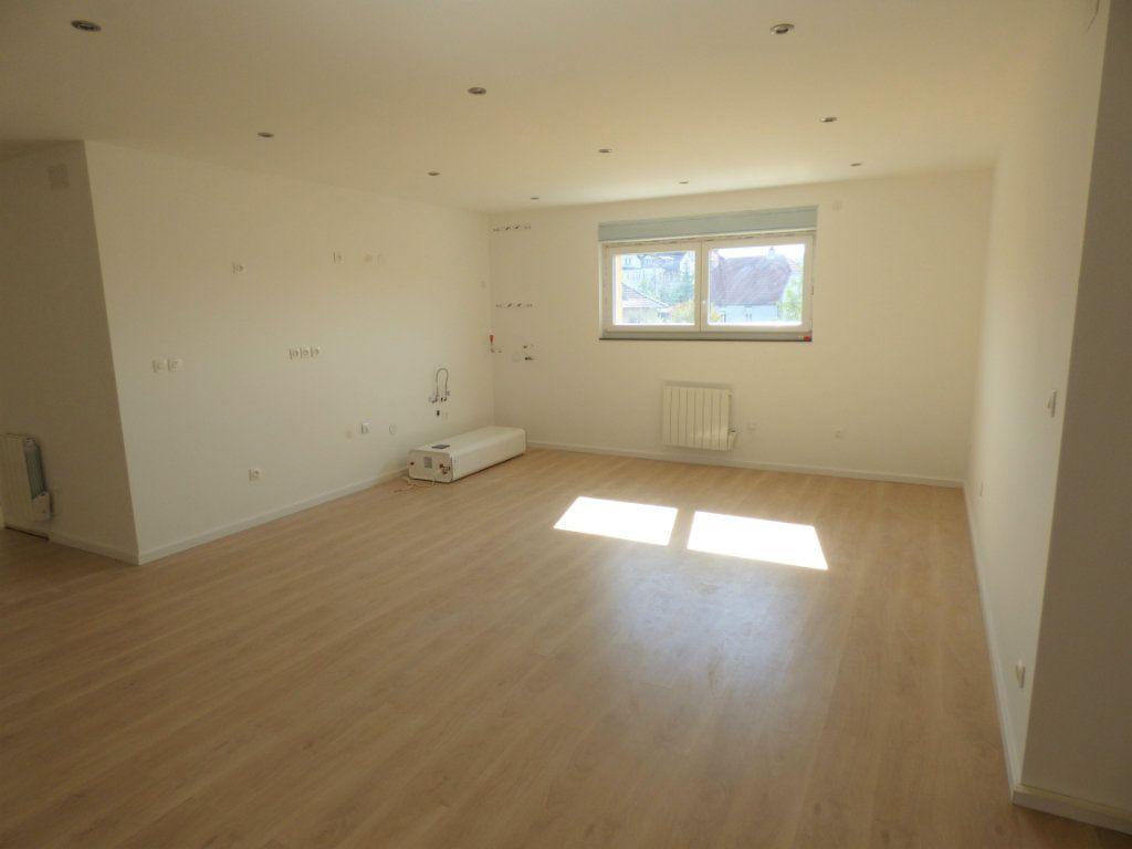 Appartement à louer 5 90m2 à Rombas vignette-4