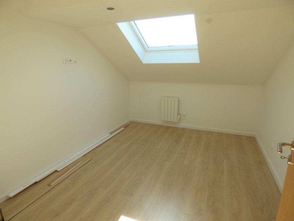 Appartement à louer 5 90m2 à Rombas vignette-5