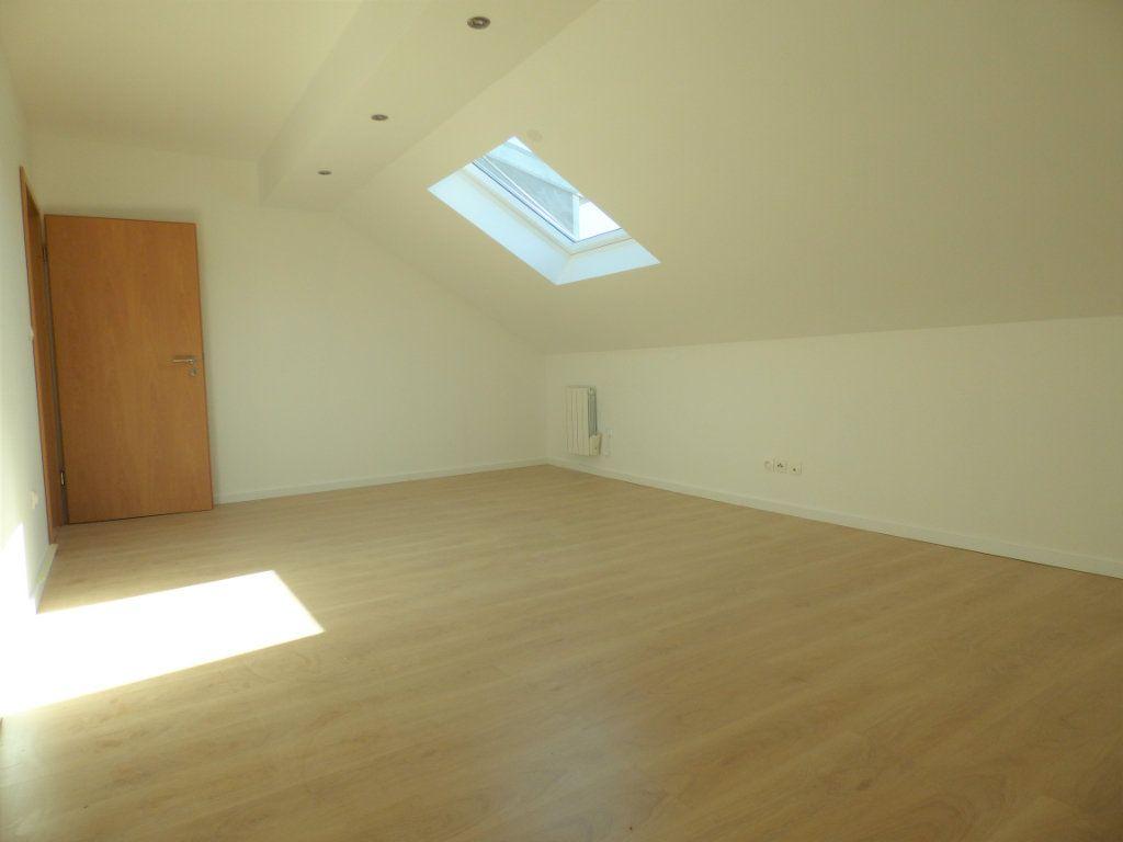Appartement à louer 5 90m2 à Rombas vignette-7