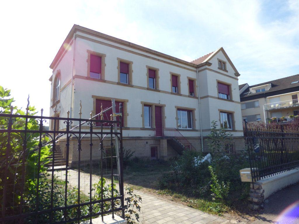 Appartement à louer 5 90m2 à Rombas vignette-9
