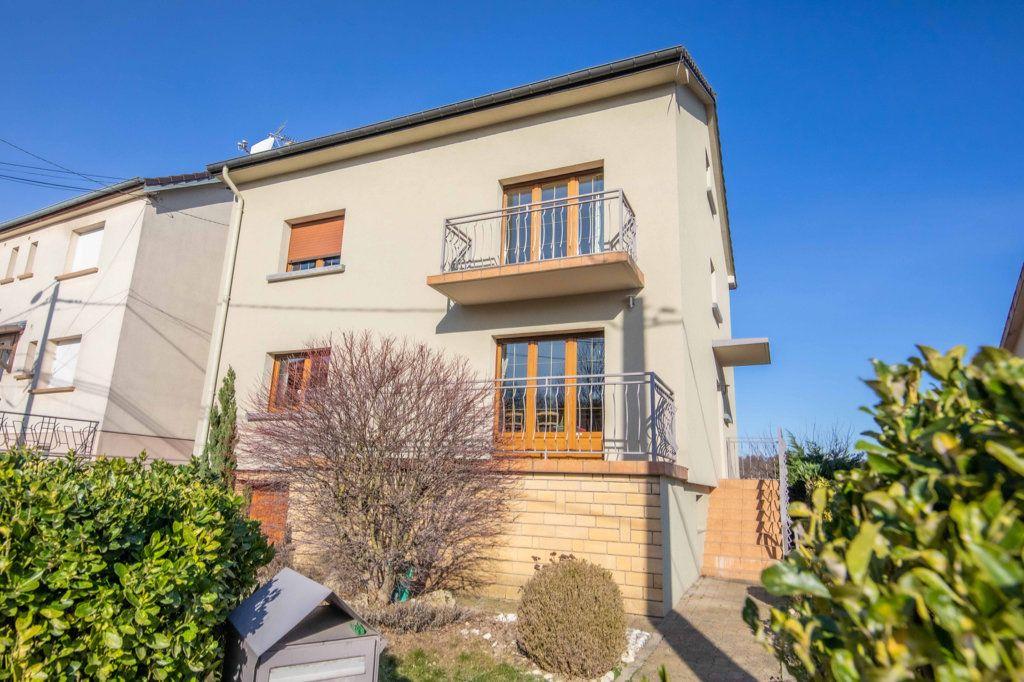 Maison à vendre 8 150.75m2 à Marange-Silvange vignette-1