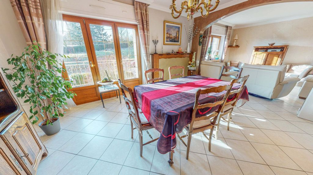 Maison à vendre 8 150.75m2 à Marange-Silvange vignette-2