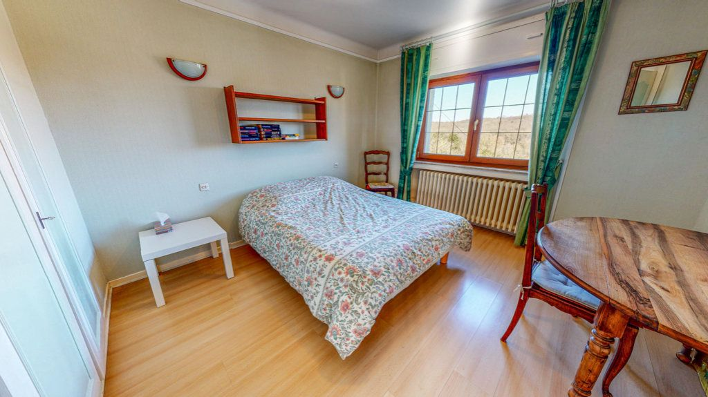 Maison à vendre 8 150.75m2 à Marange-Silvange vignette-6