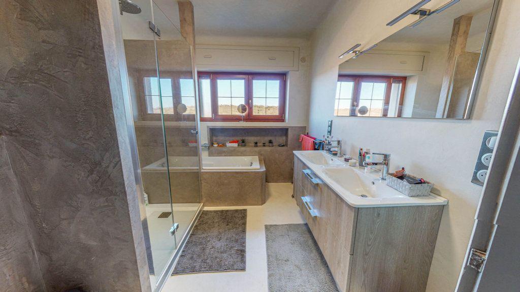 Maison à vendre 8 150.75m2 à Marange-Silvange vignette-7