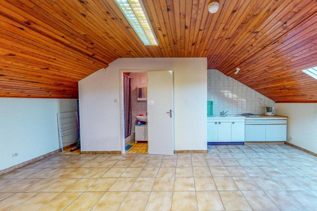Maison à vendre 8 150.75m2 à Marange-Silvange vignette-8