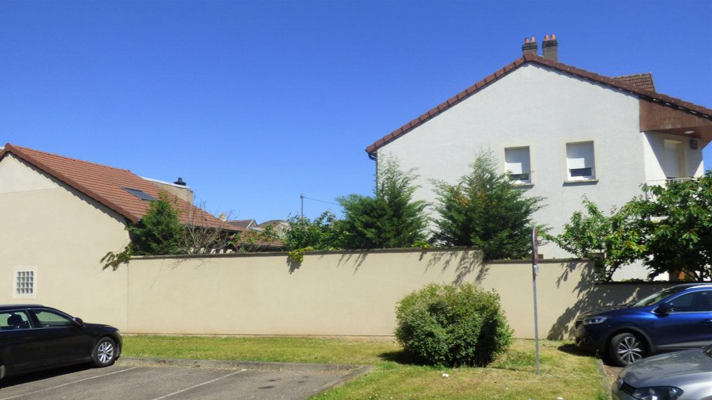Maison à vendre 5 140.13m2 à Amnéville vignette-2