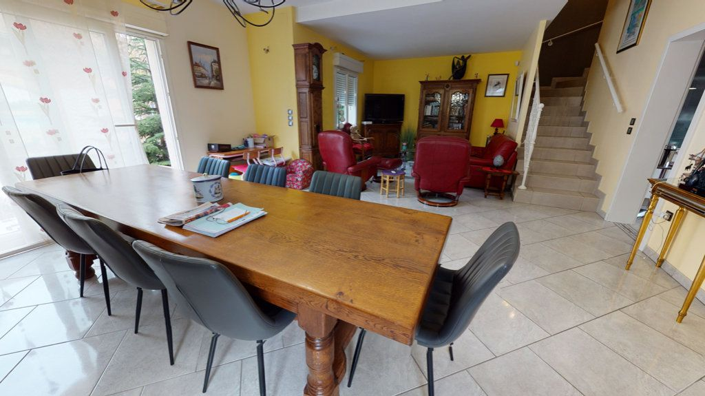 Maison à vendre 5 140.13m2 à Amnéville vignette-4