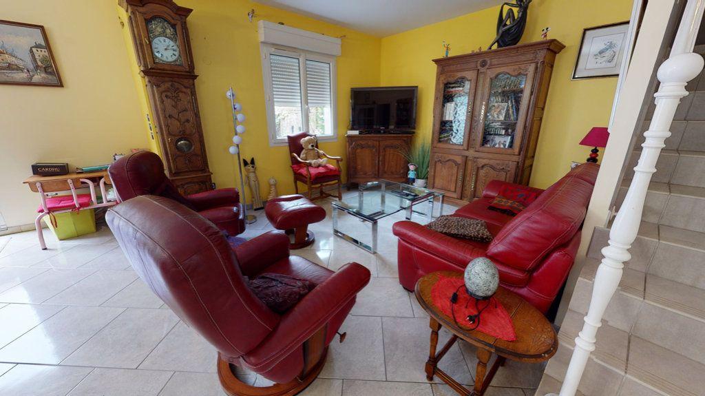 Maison à vendre 5 140.13m2 à Amnéville vignette-6