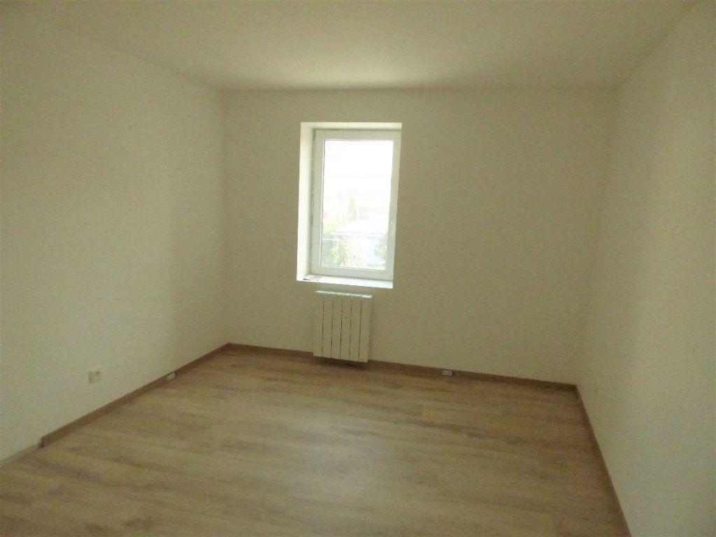 Appartement à louer 5 95m2 à Pierrevillers vignette-3