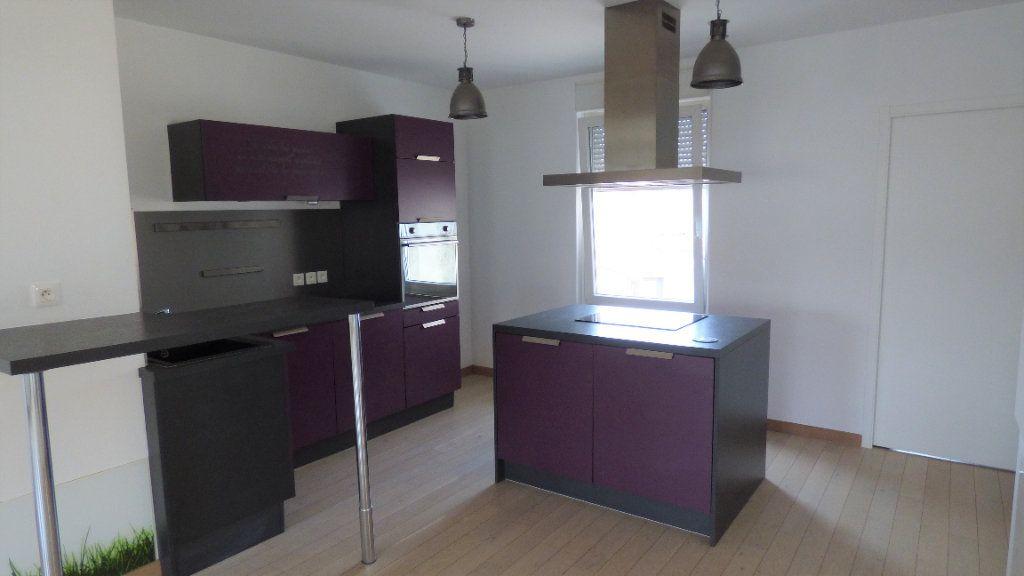 Appartement à louer 4 77.28m2 à Maizières-lès-Metz vignette-2