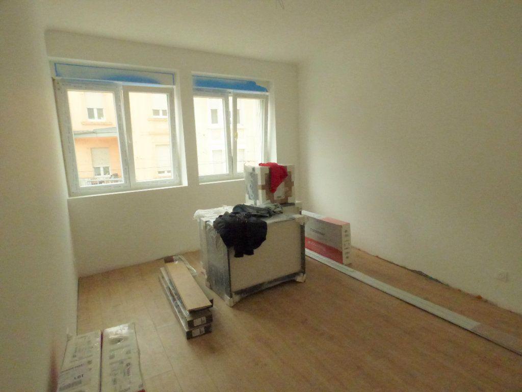 Appartement à louer 4 83m2 à Hagondange vignette-2