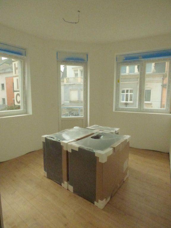 Appartement à louer 4 83m2 à Hagondange vignette-3