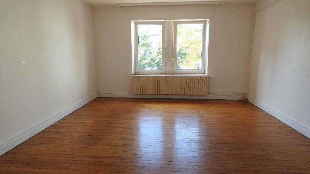 Appartement à louer 4 130m2 à Hagondange vignette-6