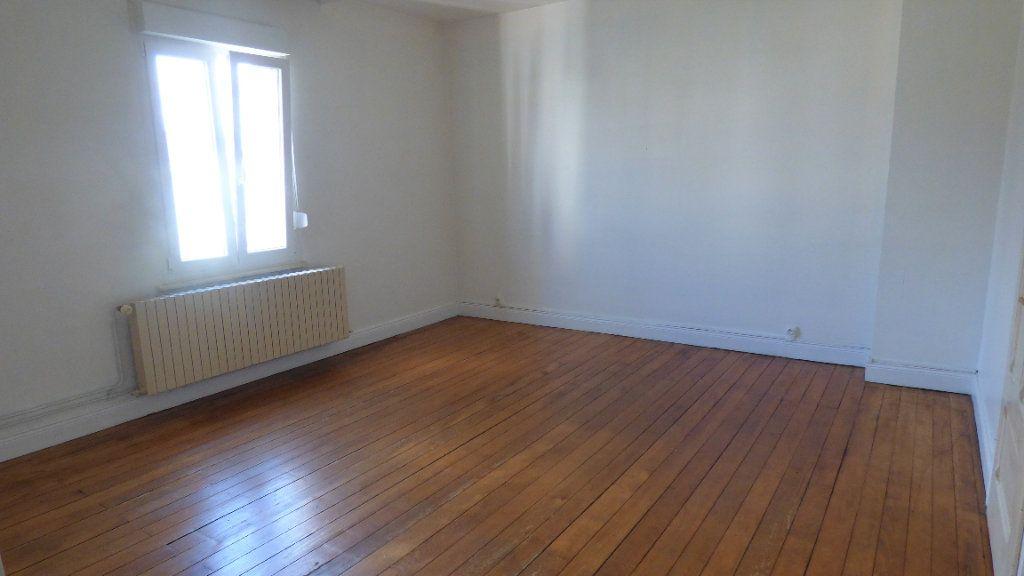 Appartement à louer 4 130m2 à Hagondange vignette-8