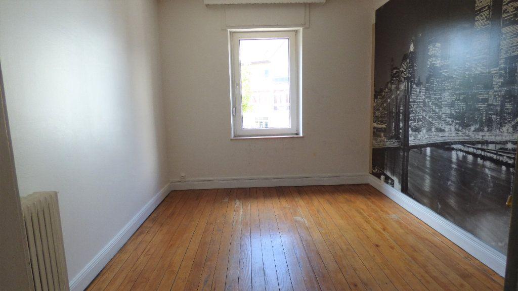 Appartement à louer 4 130m2 à Hagondange vignette-9
