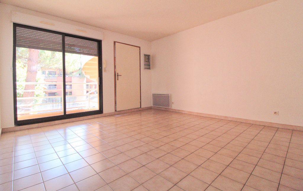 Appartement à louer 2 27.02m2 à Toulouse vignette-1