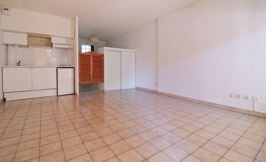 Appartement à louer 2 27.02m2 à Toulouse vignette-2