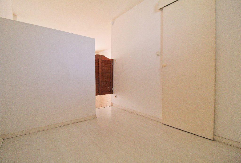 Appartement à louer 2 27.02m2 à Toulouse vignette-3