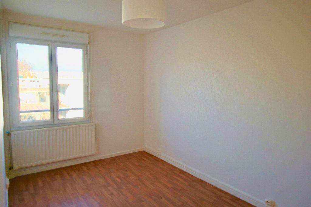 Appartement à louer 3 54.43m2 à Toulouse vignette-4