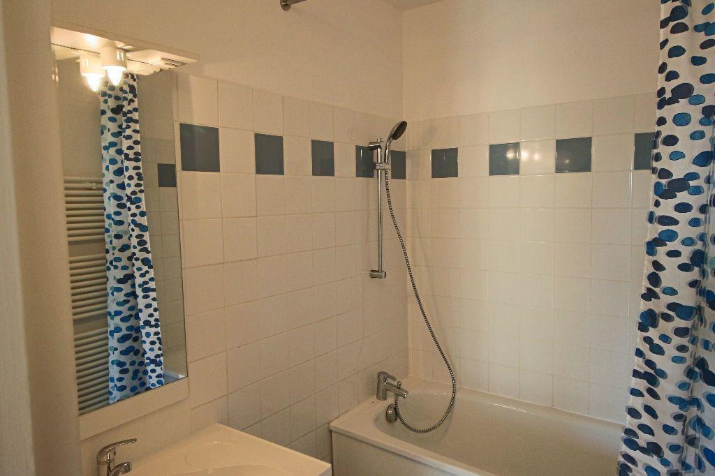 Appartement à louer 3 54.43m2 à Toulouse vignette-6