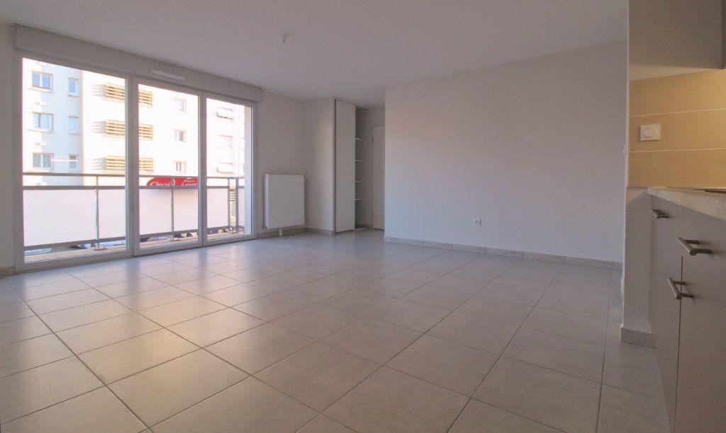 Appartement à louer 3 60.17m2 à Toulouse vignette-1