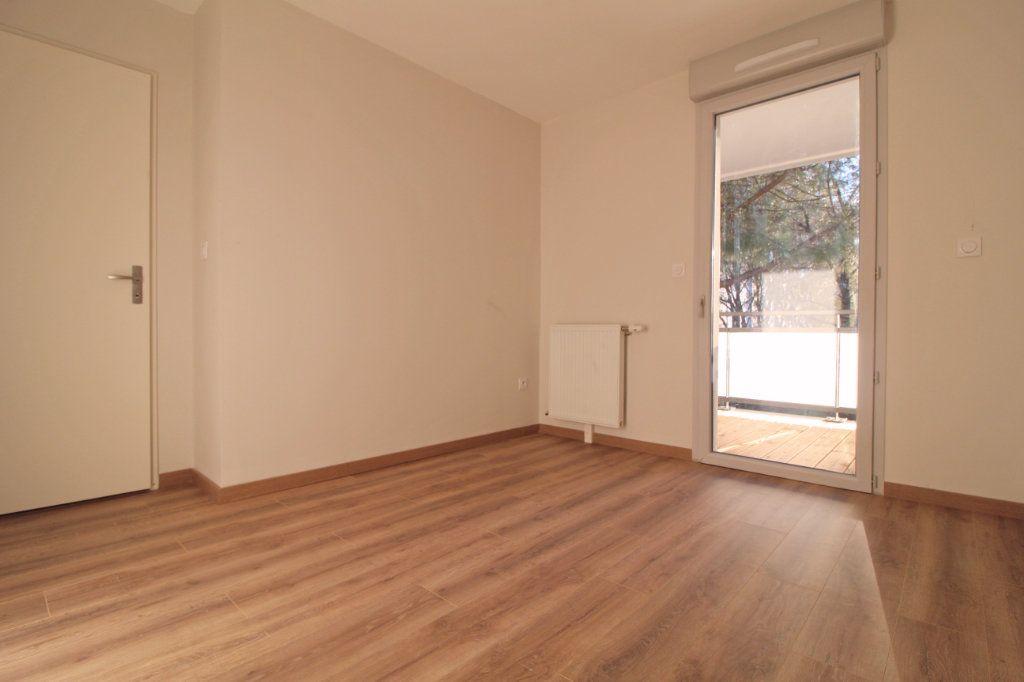 Appartement à louer 3 60.17m2 à Toulouse vignette-3