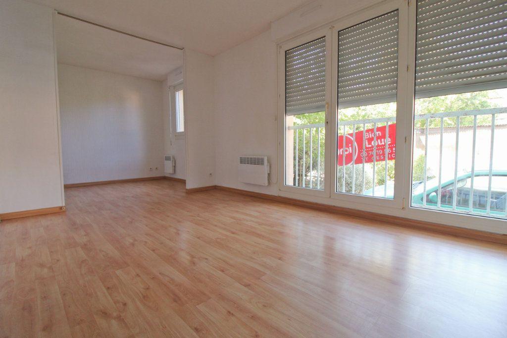 Appartement à louer 2 24m2 à Toulouse vignette-1
