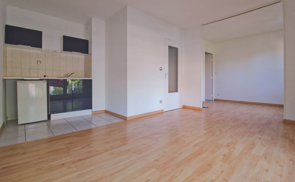 Appartement à louer 2 24m2 à Toulouse vignette-2