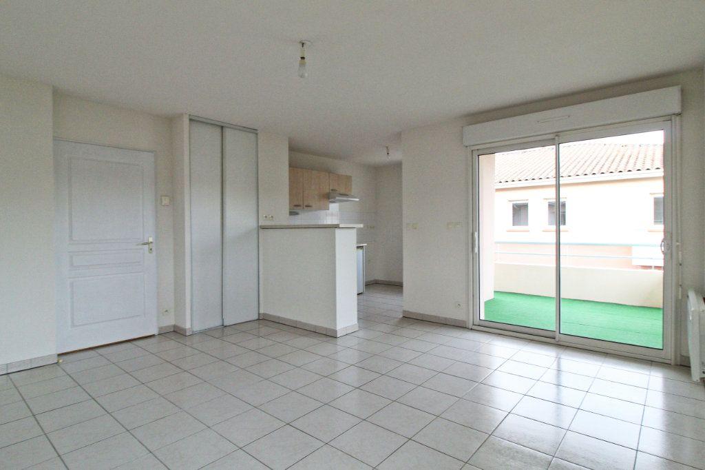 Appartement à louer 2 45.76m2 à Cornebarrieu vignette-2