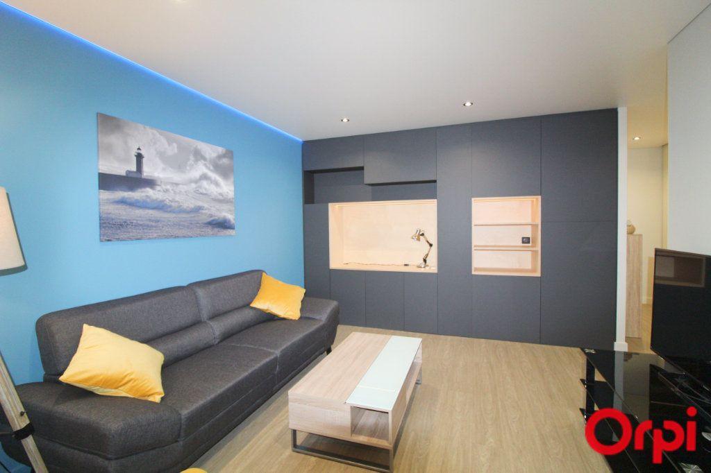 Appartement à louer 3 64.13m2 à Toulouse vignette-4