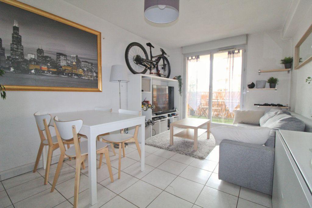 Appartement à louer 2 40.18m2 à Toulouse vignette-3