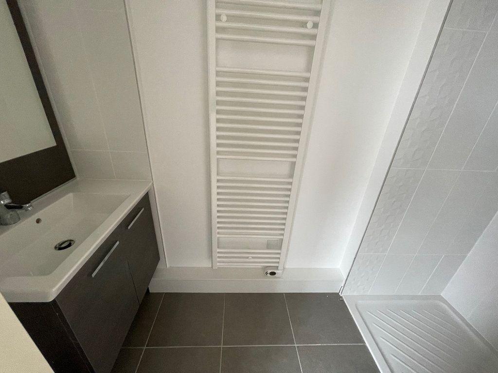 Appartement à louer 5 106.61m2 à Toulouse vignette-6